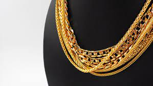 Choosing the right gold necklace